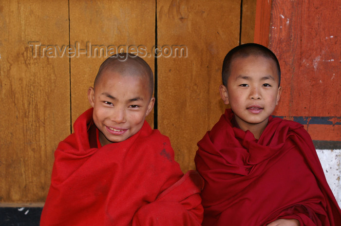 bhutan73: Bhutan - Paro: young smiling monks, inside Paro Dzong - photo by A.Ferrari - (c) Travel-Images.com - Stock Photography agency - Image Bank