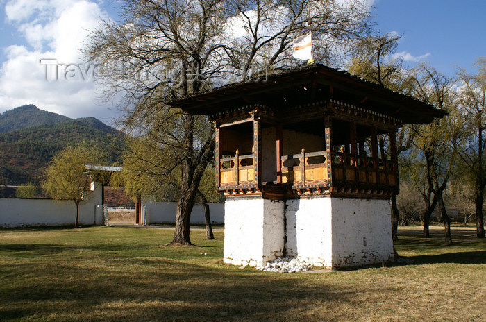 bhutan82: Bhutan - Paro: park outside Ugyen Pelri palace - photo by A.Ferrari - (c) Travel-Images.com - Stock Photography agency - Image Bank