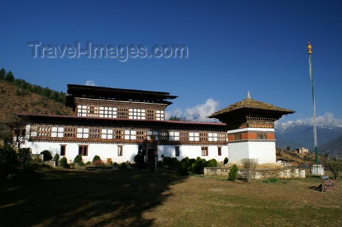 bhutan95: Bhutan - Paro: Gangtey palace - hotel - built by His Highness Dawa Penjor - photo by A.Ferrari - (c) Travel-Images.com - Stock Photography agency - Image Bank