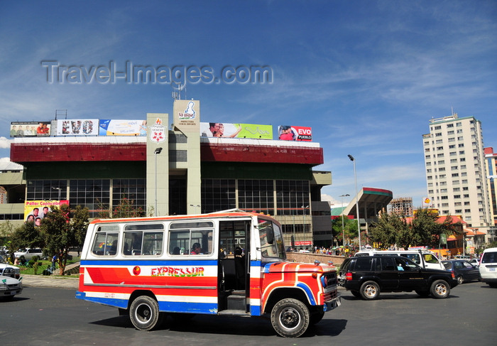 bolivia101: La Paz, Bolivia: Hernando Siles stadium seats 45.000 - designed by the engineer José L. Delpini - micro-bus and Tiwanaku Square traffic - photo by M.Torres - (c) Travel-Images.com - Stock Photography agency - Image Bank