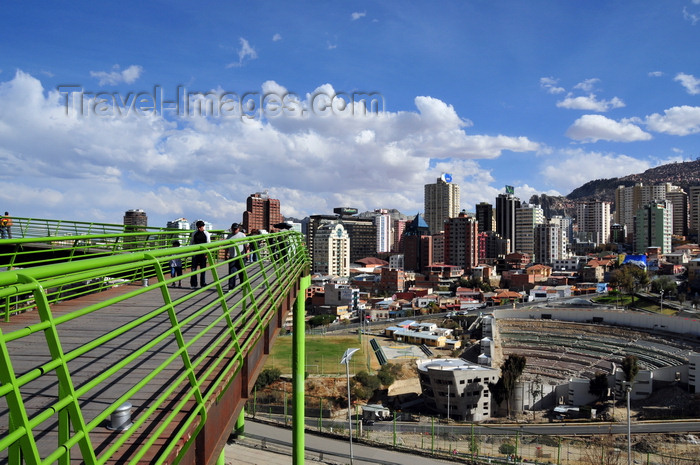 bolivia116: La Paz, Bolivia: view from vía Balcón - Jaime Laredo open air theatre - Avenida del Poeta and Sopocachi - Parque Urbano Central - photo by M.Torres - (c) Travel-Images.com - Stock Photography agency - Image Bank