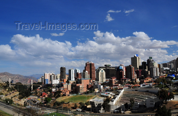 bolivia118: La Paz, Bolivia: Sopocachi skyline - Parque Urbano Central - Avenida del Poeta - Jaime Laredo open air theatre - Americas bridge - photo by M.Torres - (c) Travel-Images.com - Stock Photography agency - Image Bank