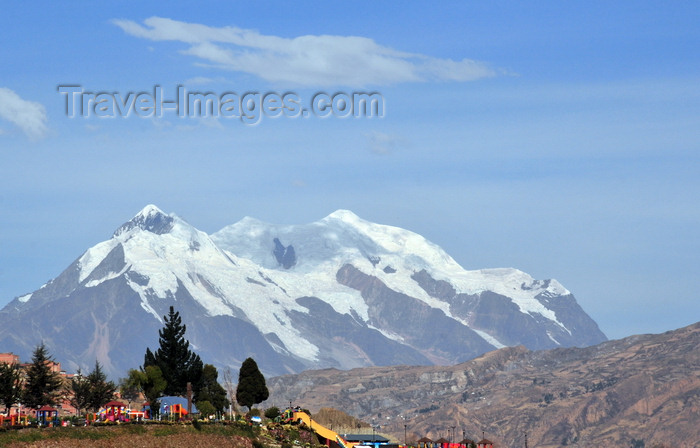 bolivia122: La Paz, Bolivia: mount llimani, Cordillera Real - symbol of the city - Parque Metropolitano Laikacota, Parque Urbano Central - photo by M.Torres - (c) Travel-Images.com - Stock Photography agency - Image Bank