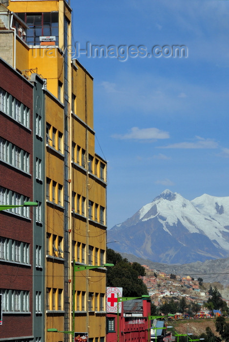 bolivia126: La Paz, Bolivia: Avenida Eliodoro Camancho, designed by Emilio Villanueva, has a view towards Nevado de Illimani - photo by M.Torres - (c) Travel-Images.com - Stock Photography agency - Image Bank