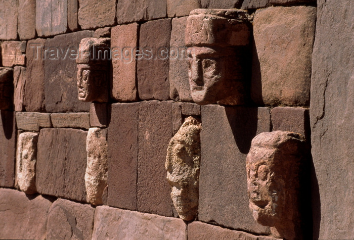 bolivia141: Tiwanaku / Tiahuanacu, Ingavi Province, La Paz Department, Bolivia: carved enemy heads along the walls of the Semi-Underground Temple - photo by C.Lovell - (c) Travel-Images.com - Stock Photography agency - Image Bank