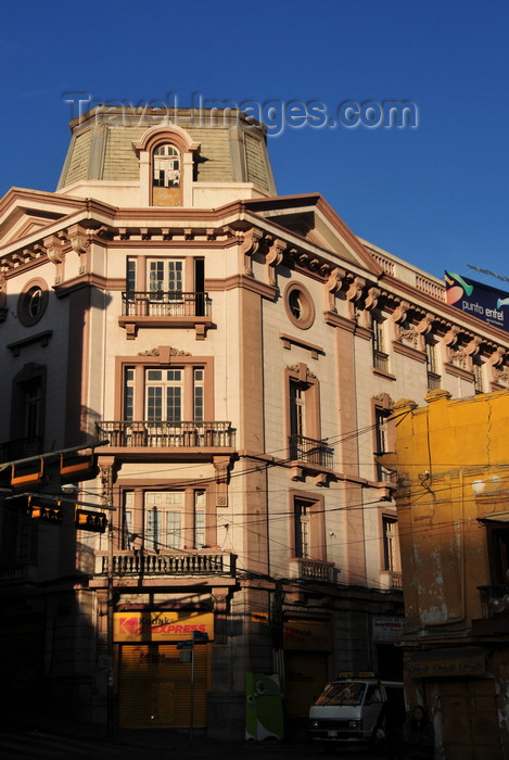 bolivia19: La Paz, Bolivia: building on the eastern corner of Plaza Murillo - Calles Bolivar and Ballivián - photo by M.Torres - (c) Travel-Images.com - Stock Photography agency - Image Bank