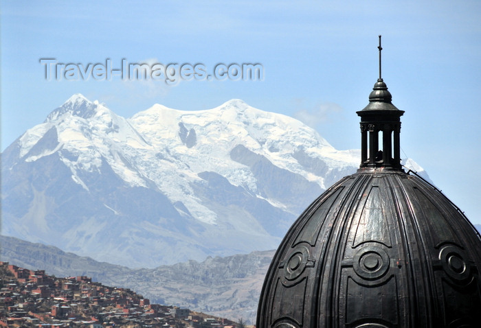 bolivia65: La Paz, Bolivia: dome of the Metropolitan Cathedral, Illimani mountain and shanty towns in between - photo by M.Torres - (c) Travel-Images.com - Stock Photography agency - Image Bank