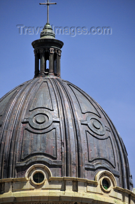 bolivia75: La Paz, Bolivia: dome of the Metropolitan Cathedral - architects Francisco Vespignani, Manuel Sanguja and Antonio Camponovo - Plaza Murillo - photo by M.Torres - (c) Travel-Images.com - Stock Photography agency - Image Bank