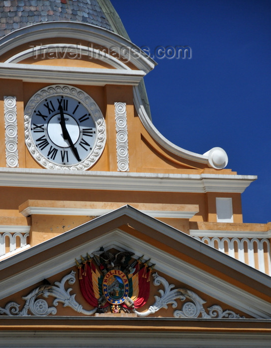 bolivia84: La Paz, Bolivia: Palacio Legislativo - clock and the pediment with the Bolivian coat of arms - Plaza Murillo - photo by M.Torres - (c) Travel-Images.com - Stock Photography agency - Image Bank
