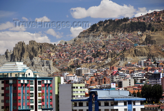 bolivia97: La Paz, Bolivia: eroded scarps and modest houses in the suburbs - photo by M.Torres - (c) Travel-Images.com - Stock Photography agency - Image Bank