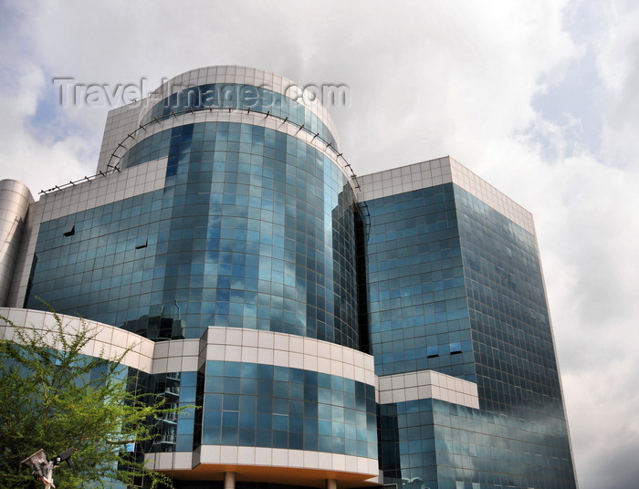 botswana50: Gaborone, South-East District, Botswana:Department of Taxes and Attorney General's Chambers Building - Pramod Patel Architects - Government Enclave - photo by M.Torres - (c) Travel-Images.com - Stock Photography agency - Image Bank