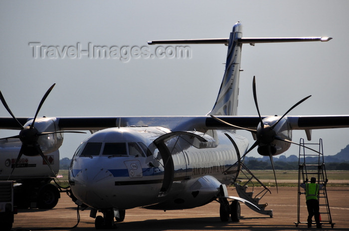 botswana8: Gaborone, South-East District, Botswana: Sir Seretse Khama International Airport - Air Botswana ATR 42-500 - twin-turboprop regional airliner - photo by M.Torres - (c) Travel-Images.com - Stock Photography agency - Image Bank