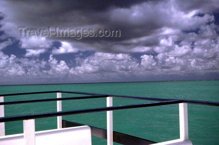 brazil116: Brazil / Brasil - Maragoji (Alagoas): the Atlantic ocean / o oceano Atlântico - photo by F.Rigaud - (c) Travel-Images.com - Stock Photography agency - Image Bank
