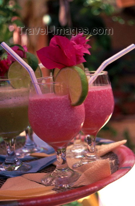brazil121: Brazil / Brasil - Porto de Galinhas, Pernambuco: exotic cocktails with bougainvillea leaves - tropical drinks / cocktails com folhas de buganvilea - photo by F.Rigaud - (c) Travel-Images.com - Stock Photography agency - Image Bank