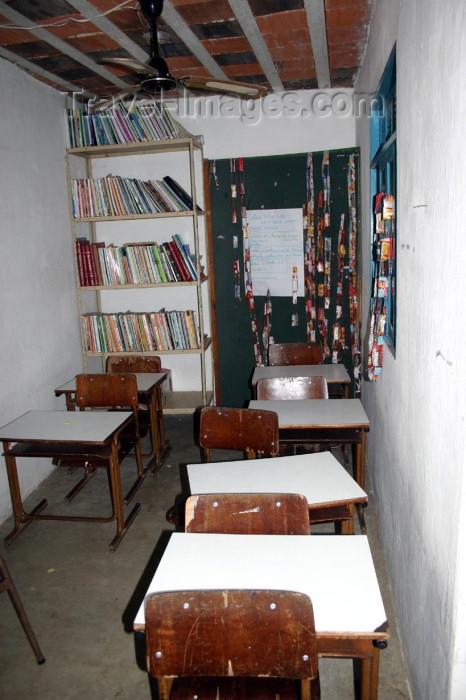 brazil147: Brazil / Brasil - Rio de Janeiro: Vila Canoas Favela - slum - school / escola primária - photo by N.Cabana - (c) Travel-Images.com - Stock Photography agency - Image Bank