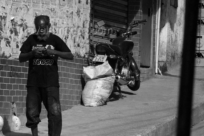 brazil148: Brazil / Brasil - Rio de Janeiro: Rocinha Favela - slum - old man / velho - photo by N.Cabana - (c) Travel-Images.com - Stock Photography agency - Image Bank