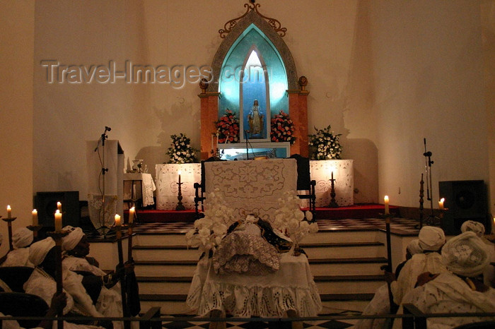 brazil165: Brazil / Brasil - Cachoeira (Bahia): good death sisterhood - altar / irmandade da boa morte - photo by N.Cabana - (c) Travel-Images.com - Stock Photography agency - Image Bank