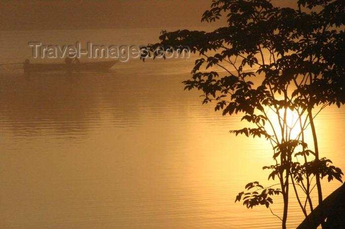 brazil169: Brazil / Brasil - Rio Urubu / Urubu river : sunset / por do sol (photo by N.Cabana) - (c) Travel-Images.com - Stock Photography agency - Image Bank