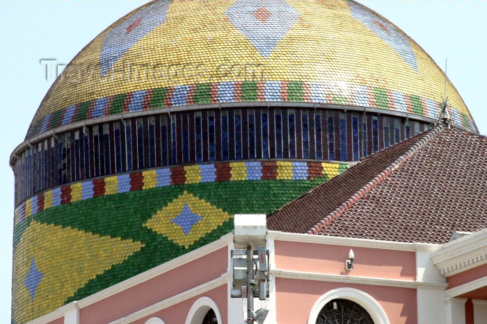 brazil182: Brazil / Brasil - Manaus / MAO (Amazonas): Teatro Amazonas - a Opera de Manaus - dome - cupola - arquitecto: Doménico de Angelis (photo by N.Cabana) - (c) Travel-Images.com - Stock Photography agency - Image Bank