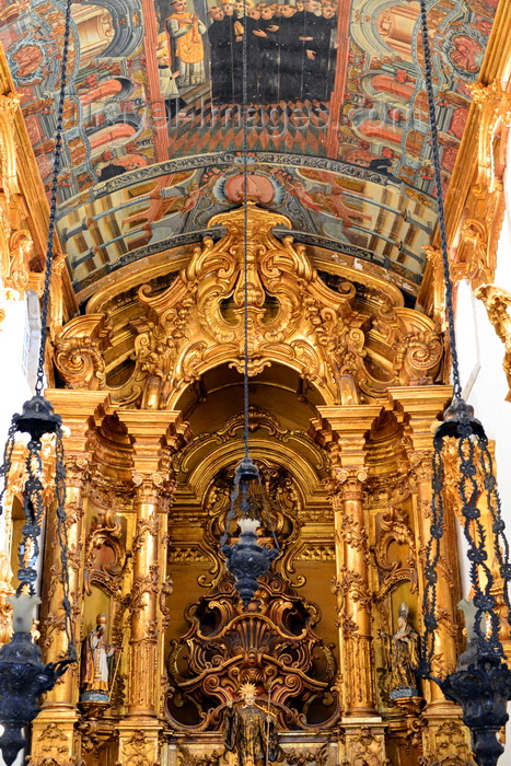 brazil187: Olinda, Pernambuco, Brazil: Church and Monastery of St Benedict - baroque high altar, gold plated cedar wood, built between 1783 and 1786 - hanging lamps - Mosteiro de São Bento - Portuguese baroque - Historic Centre of the Town of Olinda, UNESCO World Heritage Site - photo by M.Torres - (c) Travel-Images.com - Stock Photography agency - Image Bank