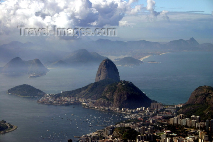 brazil197: Brazil / Brasil - Rio de Janeiro: Sugar Loaf / Pão de Açucar and Guanabara bay from Corcovado - photo by N.Cabana - (c) Travel-Images.com - Stock Photography agency - Image Bank