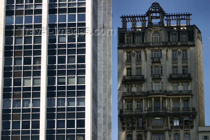 brazil212: Brazil / Brasil - São Paulo: as time goes by - 1920s and 1980s façades - buildings / edificios (photo by N.Cabana) - (c) Travel-Images.com - Stock Photography agency - Image Bank