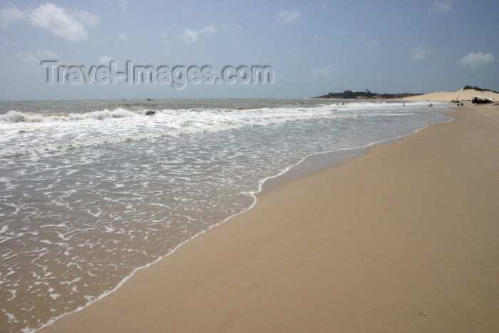 brazil228: Brazil / Brasil - Fortaleza (Ceará): Futuro beach / praia do Futuro - Atlantic sand - photo by N.Cabana - (c) Travel-Images.com - Stock Photography agency - Image Bank