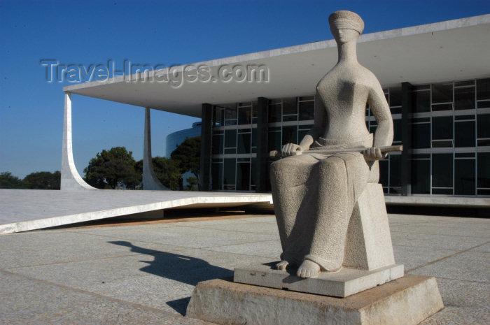 brazil305: Brazil / Brasil - Brasilia: Supreme Court - High Court - Supremo Tribunal Federal - Escultura Justiça, de Ceschiatti - Projeto de Oscar Niemeyer - photo by M.Alves - (c) Travel-Images.com - Stock Photography agency - Image Bank