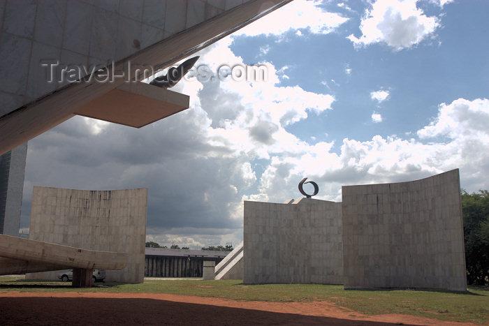 brazil329: Brazil / Brasil - Brasilia: National Pantheon / Panteão - construído em homenagem ao ex-presidente Tancredo Neves - Projeto de Oscar Niemeyer, sua forma sugere a imagem de uma pomba - photo by M.Alves - (c) Travel-Images.com - Stock Photography agency - Image Bank