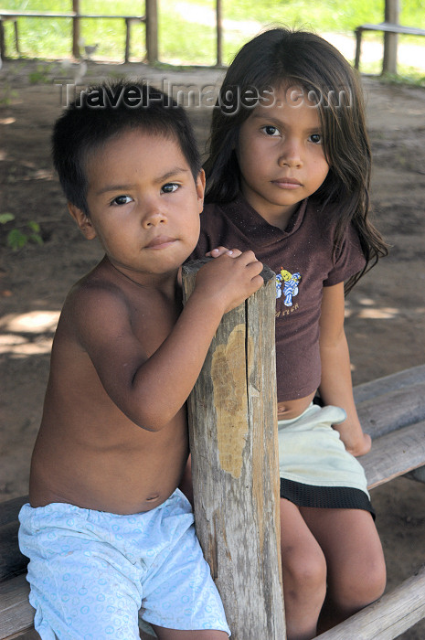 brazil362: Brazil / Brasil - Boca do Acre - Kamicuã village: indian children / crianças indias - Aldeia Kamicuã (photo by M.Alves) - (c) Travel-Images.com - Stock Photography agency - Image Bank