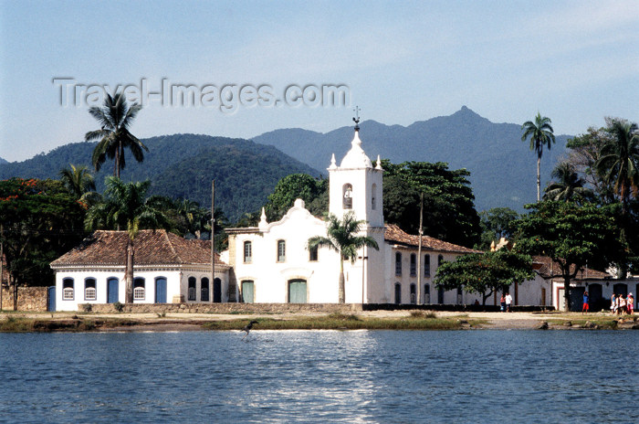 brazil364: Brazil / Brasil - Paraty / Parati: Nossa Senhora das Dores church - igreja - bay - photo by Lewi Moraes - (c) Travel-Images.com - Stock Photography agency - Image Bank