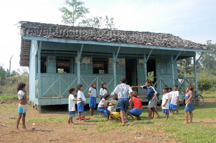 brazil368: Brazil / Brasil - Lábrea - aldeia Pedreira: the primary school - Kaxarari indians - escola primária (photo by M.Alves) - (c) Travel-Images.com - Stock Photography agency - Image Bank
