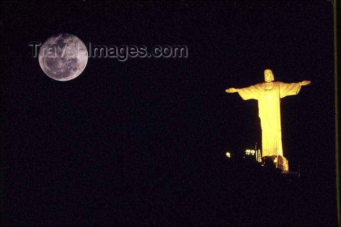 brazil374: Brazil / Brasil - Rio de Janeiro: Corcovado - Jesus Christ the Redeemer and the moon - statue - nocturnal - Tijuca Forest national park/ estatua do Cristo Redentor e a lua - photo by Lewi Moraes - (c) Travel-Images.com - Stock Photography agency - Image Bank