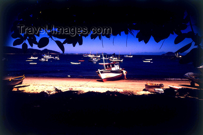 brazil376: Armação dos Búzios, RJ, Brazil: fishing boat on the beach | barco de pesca na praia - photo by L.Moraes - (c) Travel-Images.com - Stock Photography agency - Image Bank