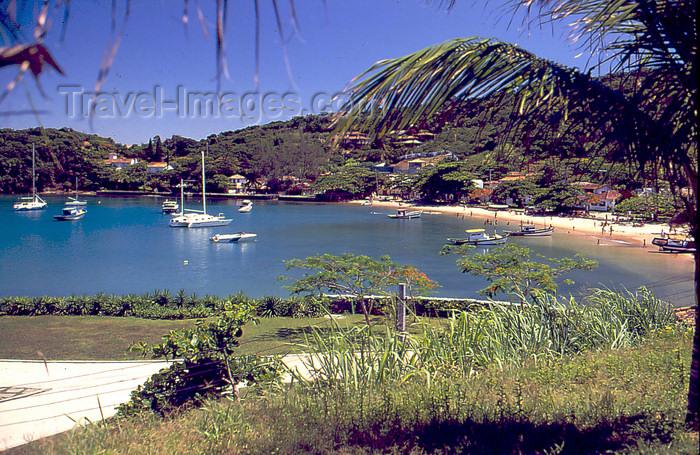 brazil411: Armação dos Búzios, RJ, Brazil: yachts in the bay | iates na baía ...