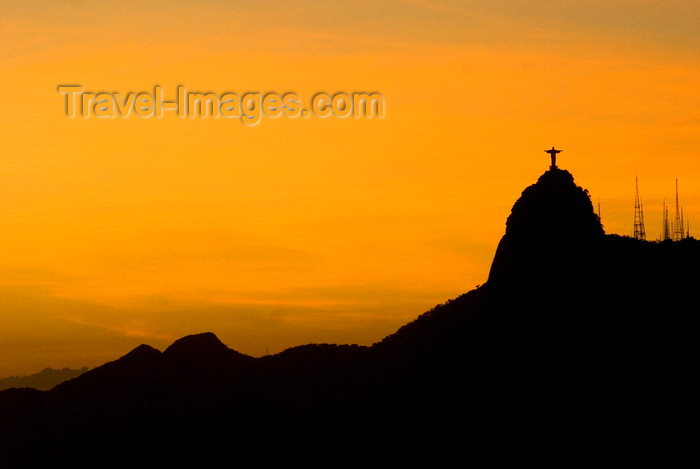 brazil428: Rio de Janeiro, RJ, Brasil / Brazil: Corcovado and Christ at sunset ' silhouette / silhueta do Corcovado e Cristo Redentor ao pôr do sol - photo by L.Moraes - (c) Travel-Images.com - Stock Photography agency - Image Bank