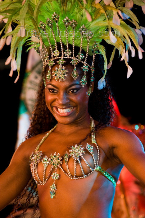 brazil446: Rio de Janeiro, RJ, Brasil / Brazil: Carnival dancer with wide smile - Mocidade Independente de Padre Miguel samba school / escola de samba Mocidade Independente de Padre Miguel - photo by D.Smith - (c) Travel-Images.com - Stock Photography agency - Image Bank
