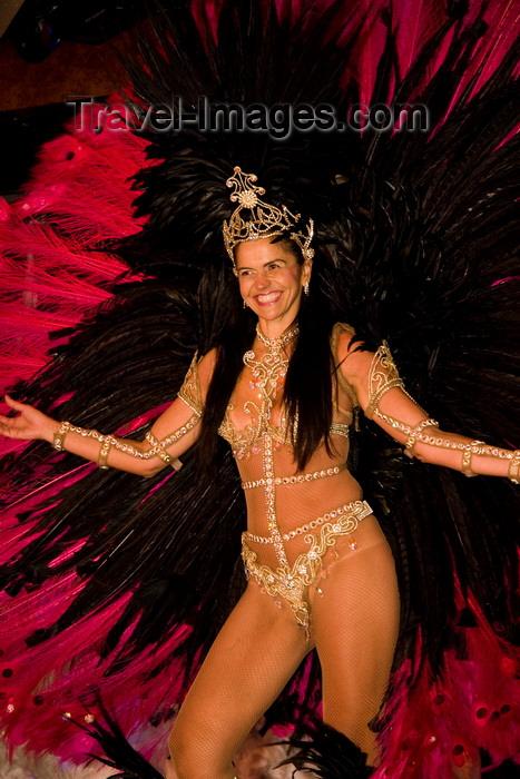 brazil449: Rio de Janeiro, RJ, Brasil / Brazil: Carnival dancer - white girl with peacock tail - queen of the drums section - Mocidade Independente de Padre Miguel samba school / rainha de bateria  - escola de samba Mocidade Independente de Padre Miguel - photo by D.Smith - (c) Travel-Images.com - Stock Photography agency - Image Bank