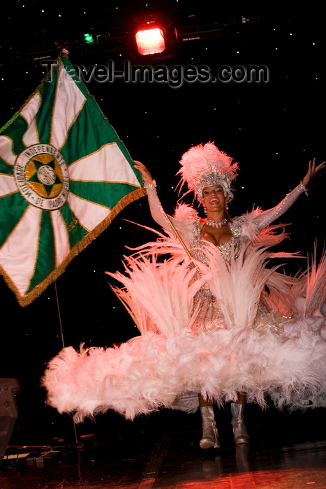 brazil451: Rio de Janeiro, RJ, Brasil / Brazil: flag-bearer  - Carnival dancer - Mocidade Independente de Padre Miguel samba school / escola de samba Mocidade Independente de Padre Miguel - porta-bandeira - photo by D.Smith - (c) Travel-Images.com - Stock Photography agency - Image Bank