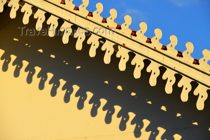brazil66: Olinda, Pernambuco, Brazil: detail of gable fretwork - tropical eaves and their shadow - Manuel Borba street - photo by M.Torres - (c) Travel-Images.com - Stock Photography agency - Image Bank
