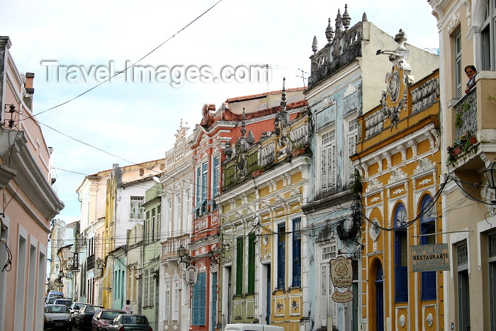 brazil79: Brazil / Brasil - São Salvador da Bahia / SSA (Bahia) : Historic Centre - colonial charm / encanto colonial - Unesco world heritage site / patrimonio da humanidade - photo by N.Cabana - (c) Travel-Images.com - Stock Photography agency - Image Bank