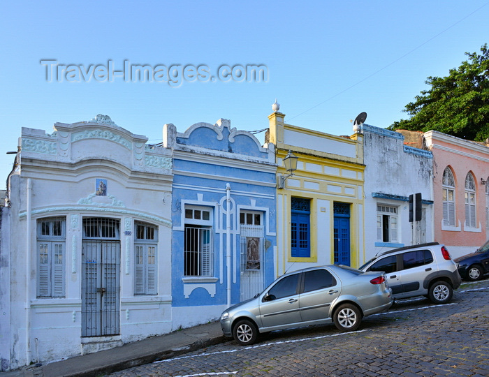 brazil89: Olinda, Pernambuco, Brazil: narrow old houses on Rua Quinze de Novembro - photo by M.Torres - (c) Travel-Images.com - Stock Photography agency - Image Bank
