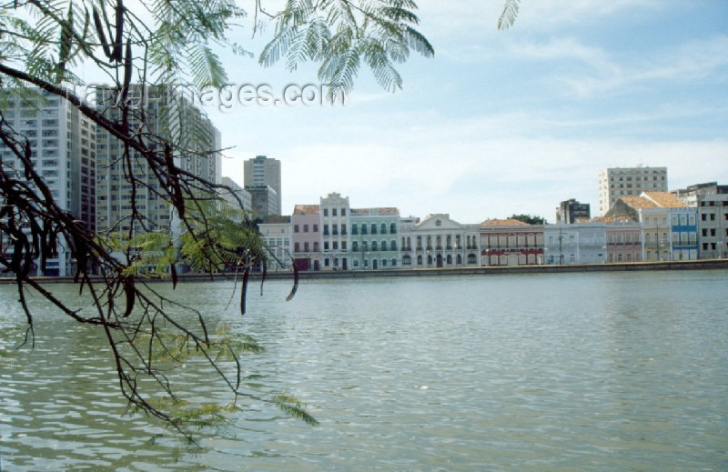 brazil98: Brazil / Brasil - Recife / REC (Pernambuco): waterfront - Rua da Aurora - photo by Francisca Rigaud - (c) Travel-Images.com - Stock Photography agency - Image Bank