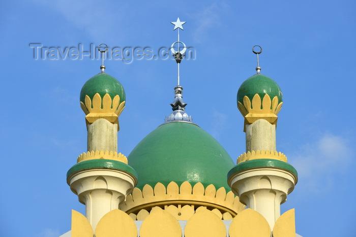 brunei141: Bandar Seri Begawan, Brunei Darussalam: Kampong Tamoi Mosque detail - photo by M.Torres - (c) Travel-Images.com - Stock Photography agency - Image Bank