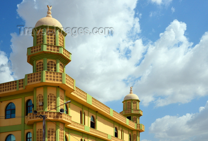 burkina-faso27: Ouagadougou, Burkina Faso: sunny façade of the Loudun avenue Mosque, an orthodox Sunni Muslim temple, Wahhabi mosque - photo by M.Torres - (c) Travel-Images.com - Stock Photography agency - Image Bank