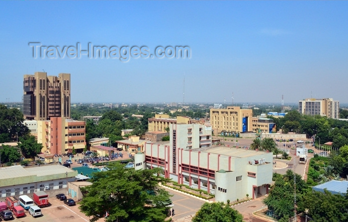 burkina-faso38: Ouagadougou, Burkina Faso: city center - skyline with the Central Bank of West African States (BCEAO) tower, the City Hall, Ecobank, the Social Security building and several other downtown government buildings - photo by M.Torres - (c) Travel-Images.com - Stock Photography agency - Image Bank