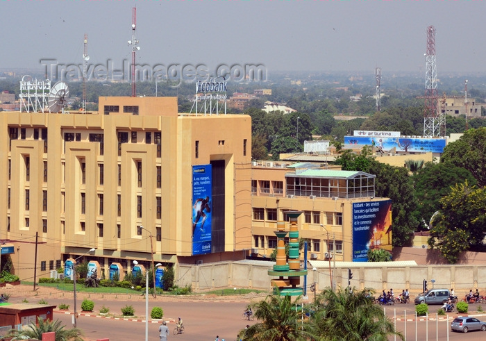 burkina-faso40: Ouagadougou, Burkina Faso: view over the famous Film Makers roundabout / Rond point des cinéastes with its cinema reels - Ecobank building, former BACB - end of Boulevard du monseigneur Joanny Tavernaud - photo by M.Torres - (c) Travel-Images.com - Stock Photography agency - Image Bank