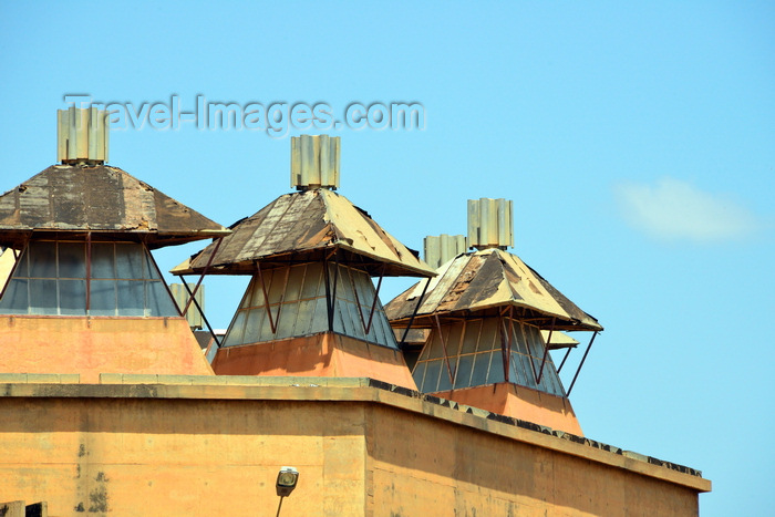 burkina-faso9: Ouagadougou, Burkina Faso: Maison du Peuple, the House of the People - detail of the roof skylights - photo by M.Torres - (c) Travel-Images.com - Stock Photography agency - Image Bank