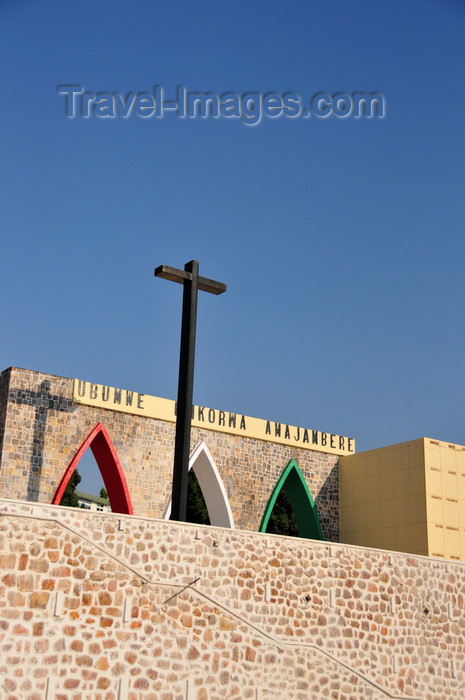 burundi11: Bujumbura, Burundi: Independence Monument - arches and cross - photo by M.Torres - (c) Travel-Images.com - Stock Photography agency - Image Bank