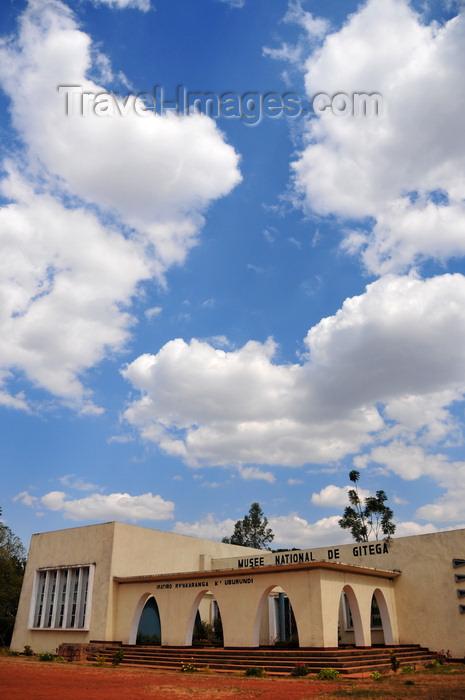 burundi51: Gitega / Kitega, Burundi: National Museum of Gitega - hosts photos of Burundi's monarchies and informs on ethnic conflict and genocide - Musée National de Gitega - Place de la révolution - photo by M.Torres - (c) Travel-Images.com - Stock Photography agency - Image Bank
